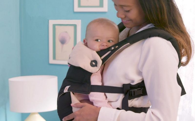 A Classic And Proper Baby Carrier Help The Parents To Transport Them Anywhere